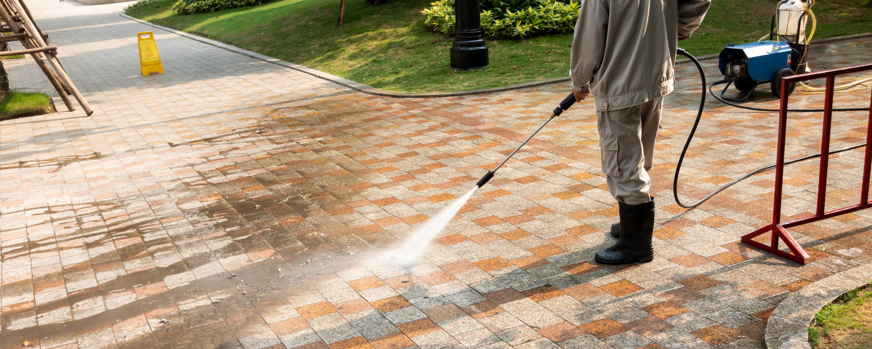 Como limpar piso antiderrapante
