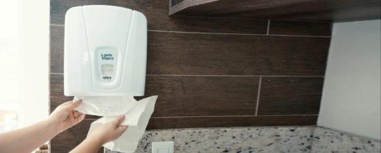 5 pontos importantes na compra de papéis toalha e higiênico